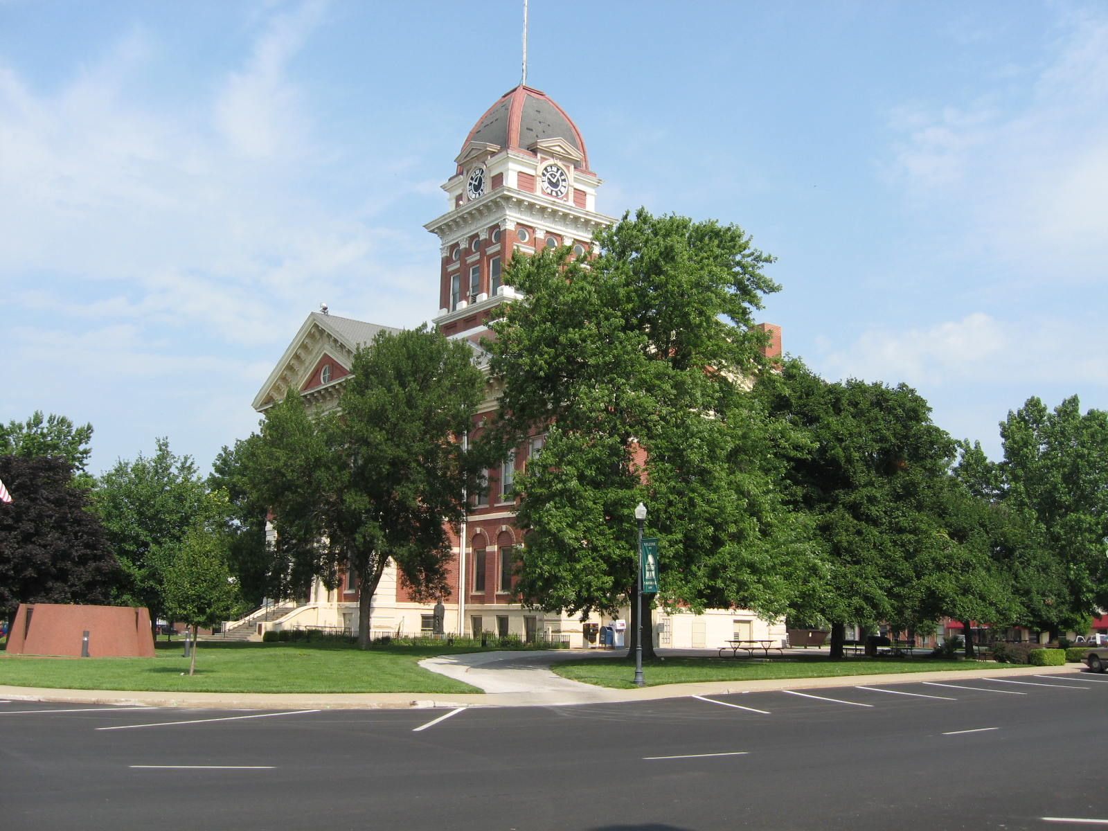 the Courthouse at Marshall